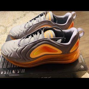 Nike Air Max 720 Gunsmoke/Orange Mens sz. 10.5 NEW